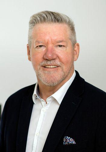 Landestrainer Helmut Schneider
